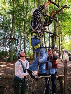 Ab in die Bäume – TrauBe-Klettertag im Bergischen Land